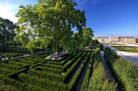 Irrgarten Osterreichische Bundesgarten